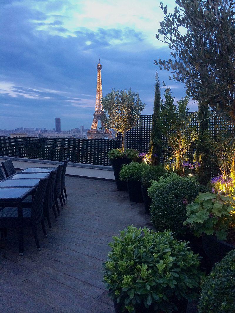 POINCARE-vue-1-Tour-Eiffel-on.jpg