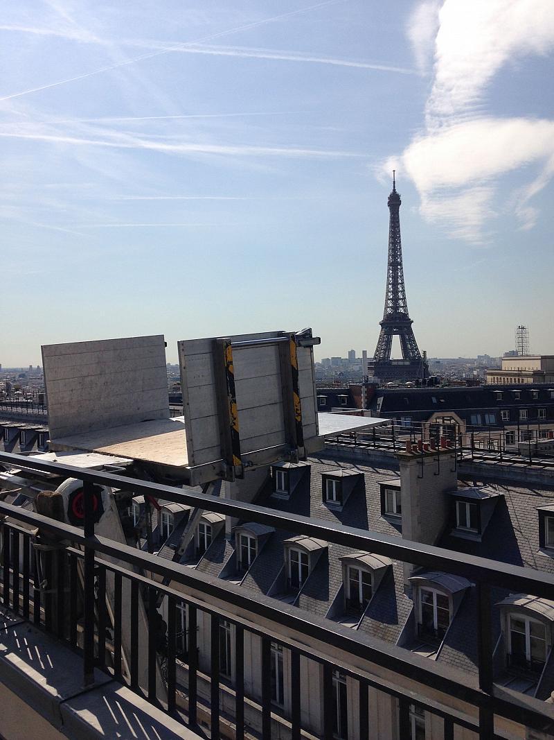 Livraison-Tour-Eiffel.jpg